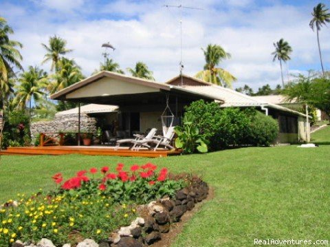 Marau Vale is a spacious beachfront home situated on 2+ acres of meticulously maintained grounds and lush tropical gardens - without a doubt Taveuni's most spectacular setting & beautifully outfitted home.