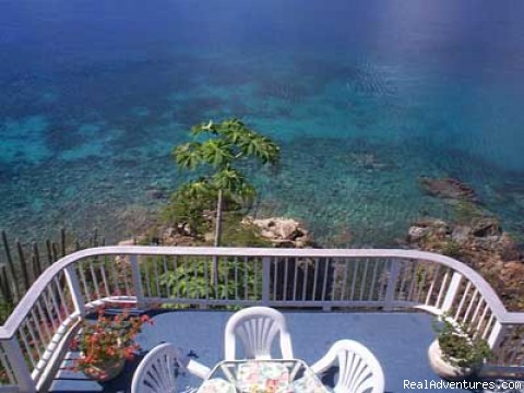 Oceanside Luxury - Romantic waterfront villa, private snorkeling beac