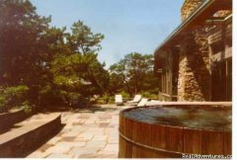 Realy Relax in the 105 degree hot tub. - Celeb Owned Hilltop Waterview Retreat