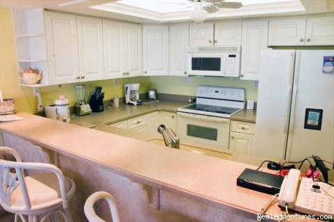Kitchen B306 - Luxury Vacation Rental, Sundial Condos