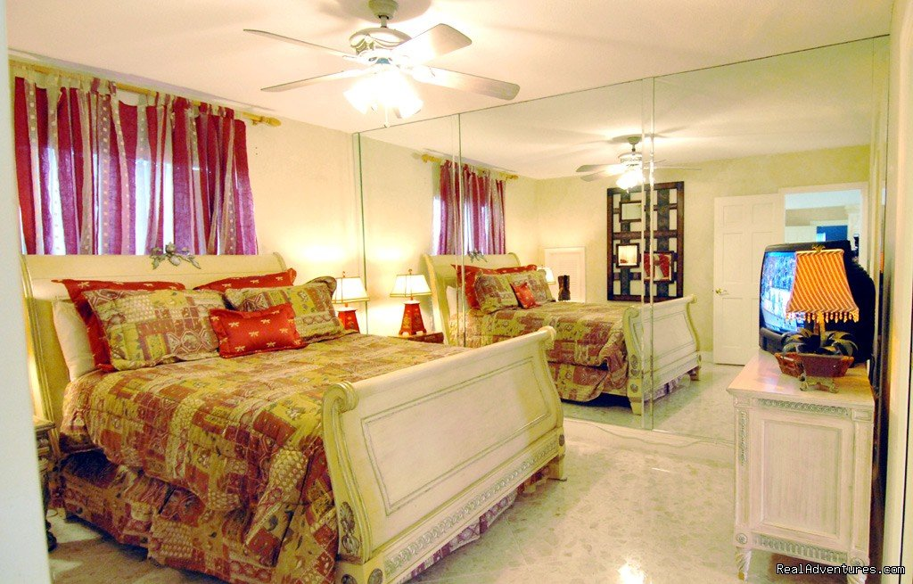 Fort Lauderdale, FL vacation rental home, master suite | Image #11/18 | Florida luxury home rentals