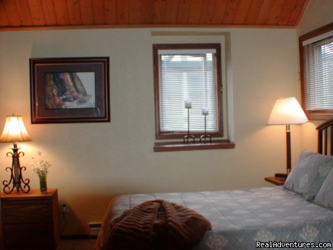 Upstairs Bedroom - Townhouse with Private hot tub at Kings Crossing