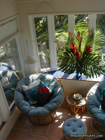 Rainbow Lookout ... snuggle up in a papasan - Huelo Point Lookout...a romantic B&B retreat
