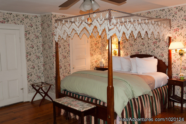 The Alleghany Room - Country hospitality at the Hummingbird Inn