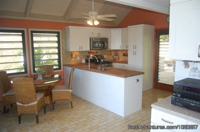 Kitchen and Dining Area - Sundancer Villa - Privacy w Pool & Hot Tub