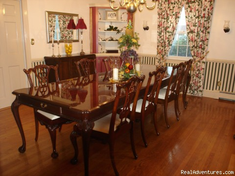 Dining Room - Inn at 802, A Williamsburg Bed & Breakfast