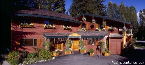 Summer at Cedar Springs Lodge - Whistler: Cedar Springs Bed and Breakfast Lodge