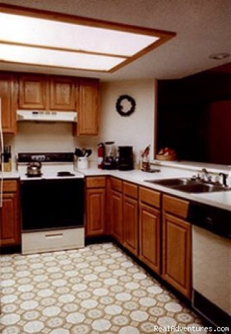 kitchen.jpg - Riverfront Condo at Loon Mt., Lincoln NH