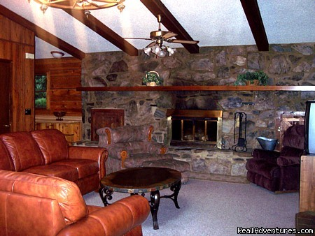 Pondview Great Room - Smoky Mountain Log Cabin Vacation Rentals
