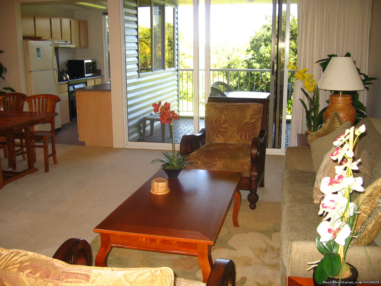 Living Room and Kitchen | Image #12/26 | Cliff's Honeymoon Condo Princeville, Kauai, Hawaii