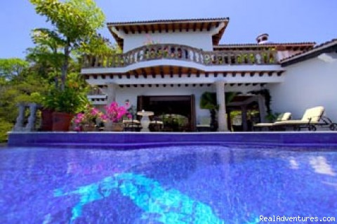 Pool to Villa - Casa Del Quetzal