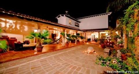 Coutyard - Casa Del Quetzal