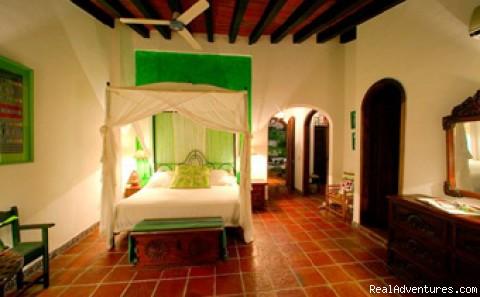 - Casa Del Quetzal