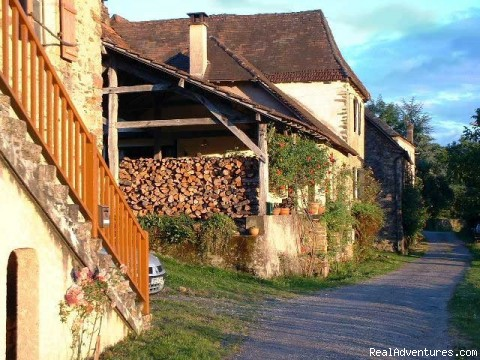 The road in front - A Dordogne Valley House to Rent in France