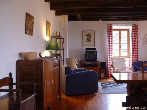 Living room - A Dordogne Valley House to Rent in France