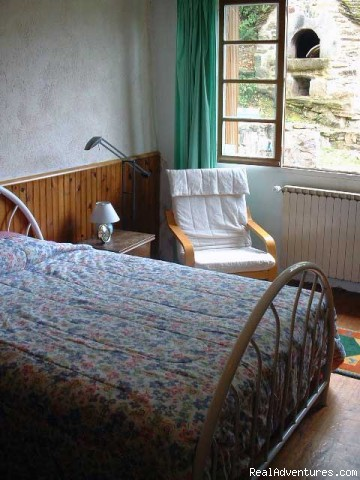 Master bedroom - A Dordogne Valley House to Rent in France