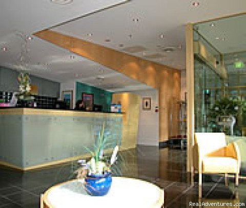 24 hours a day reception service - Canberra waldorf Apartment Hotel