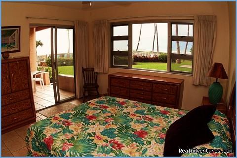 Condo master bedroom - Ocean Breeze Hideaway--Maui B&B & Oceanfront Condo