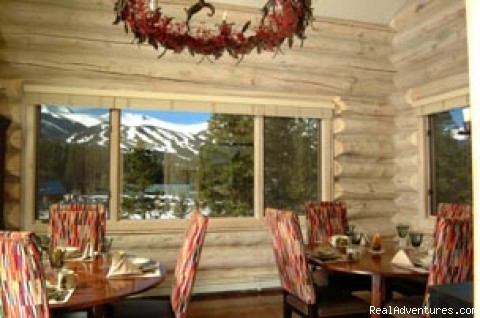 Dining Room - Little Mountain Lodge