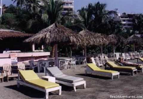 beach5.jpg - Casa Leigh Y Loros, Zihuatanejo Mexico