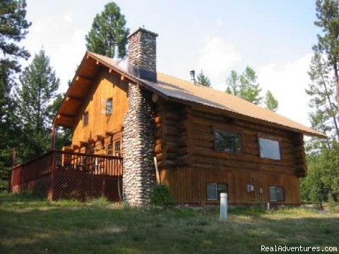 Deluxe Lodging for Families and Groups - Discover the Rich Ranch Outfitting and Guest Ranch