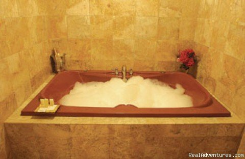 Marble Tiled Jacuzzi Room