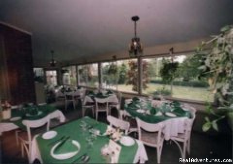 Veranda Dinning Room - Colonial House Inn & Restaurant
