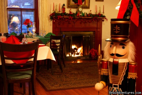 Colonial Dinning Room at Christmas - Colonial House Inn & Restaurant