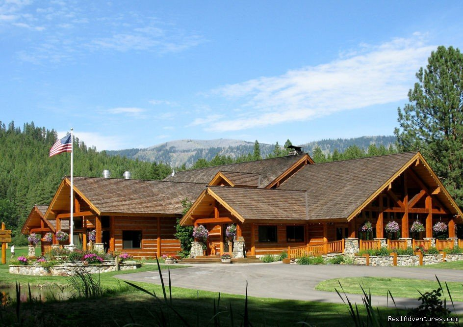 Summer, Fall, Winter, Spring Lodging and outdoor adventures in a Cascade Mountain meadow setting.  Deluxe lodges cabins, suites and recreational activities that enhance family vacations, reunions, and weddings.