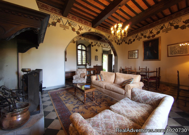 Vacation villa rental Tuscany Italy castle