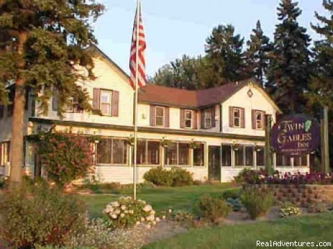 Twin Gables Inn Bed and Breakfast: Twin Gables Inn