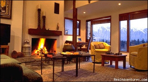Luxurious central Queenstown Lodge: Living Area