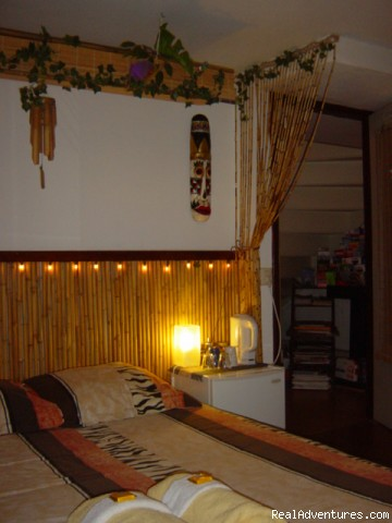 Patio Blue Room - Barangay, Award-Winning Tropical B&B in Amsterdam