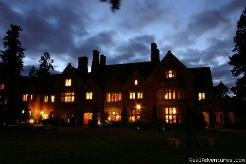 - Thornewood Castle Bed And Breakfast