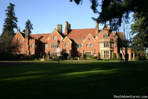 Thornewood Castle Bed And Breakfast: