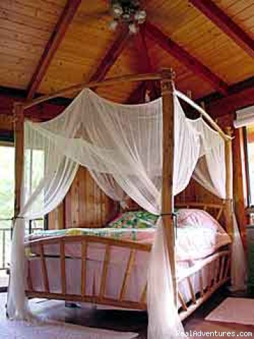 bedroom - Makaleha Mountain Retreat perfect for honeymoons