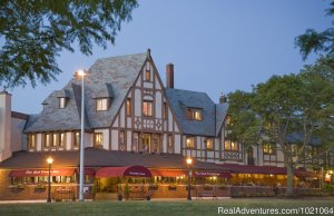 The Red Coach Inn Niagara Falls, New York Bed & Breakfasts