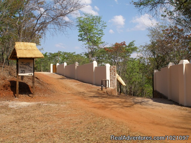 Entrance - Self-catering lodges in woodlands near Harare