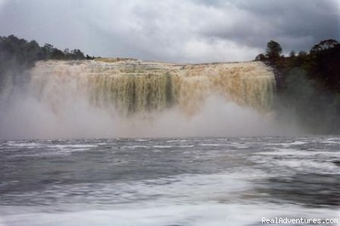 El Sapo Fall, Canaima - Natoura Travel &  Adventure tours in Venezuela