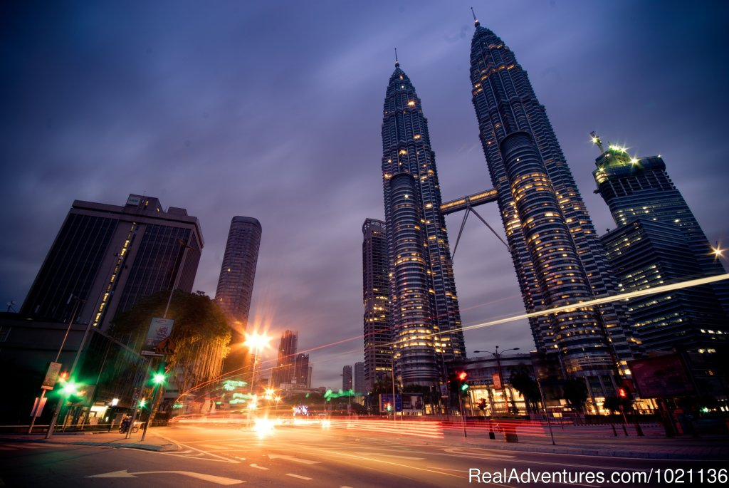 Kuala Lumpur's most famous sight - the Petronas Twin Towers | Image #7/8 | Asian Trails