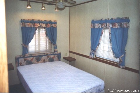 Master Bedroom Two-bedroom 'B' Unit - Affordable Accommodations in Niagara Falls, Canada