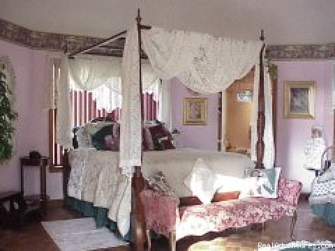 Cottage inside (#3 of 7) - Sassafras Inn Bed & Breakfast (Memphis Area)