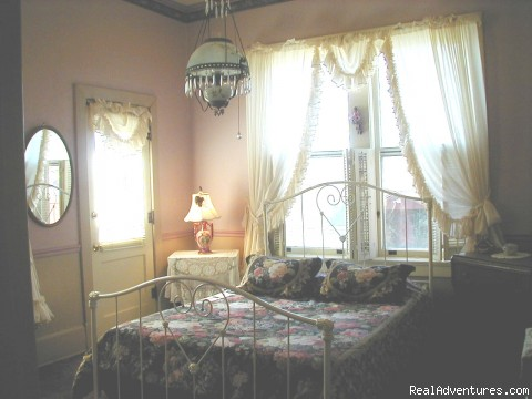 The Rose Room - River Rose Inn Bed & Breakfast