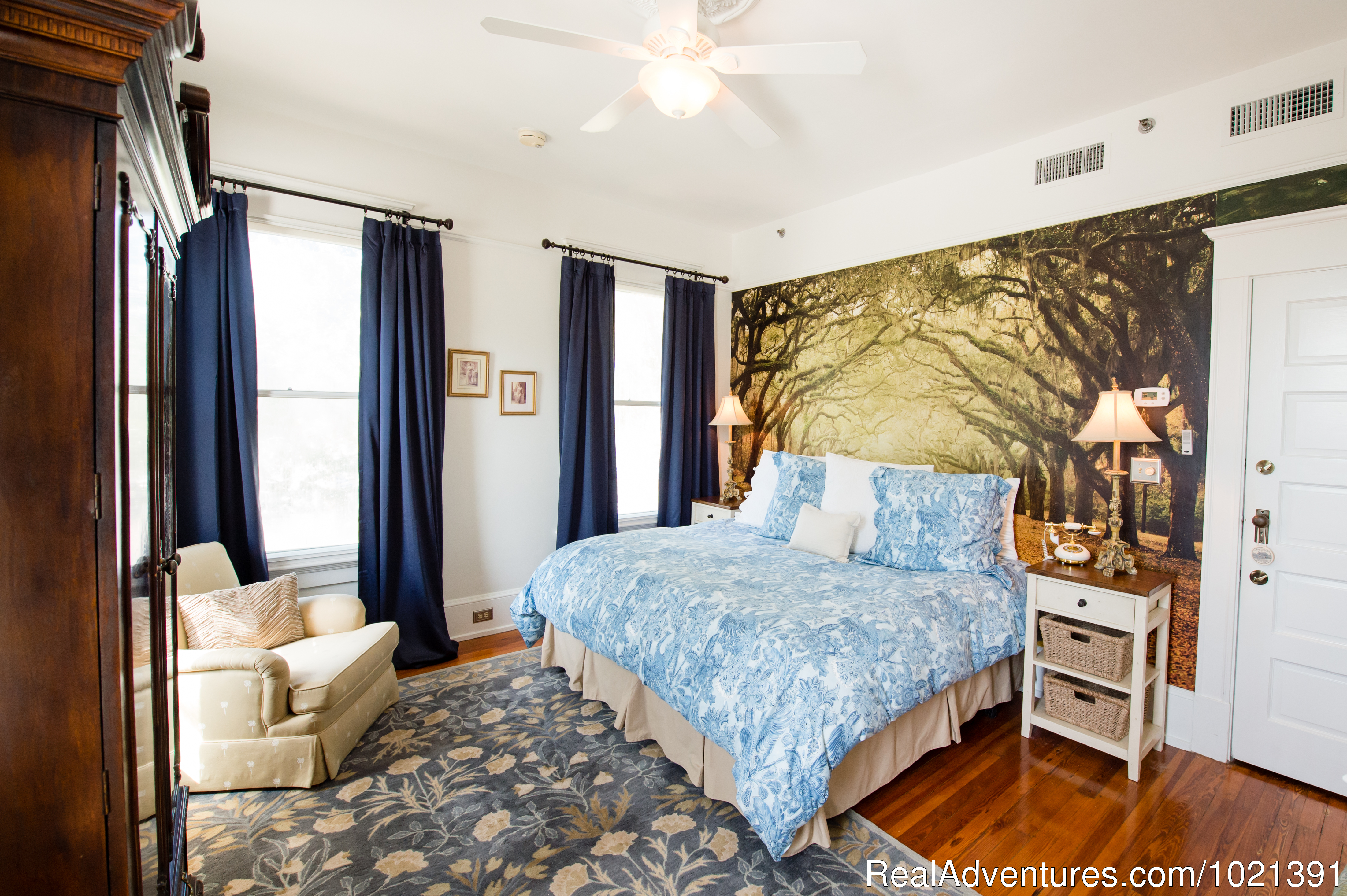 Room 6 - Willis | Image #7/16 | Hoyt House Bed and Breakfast