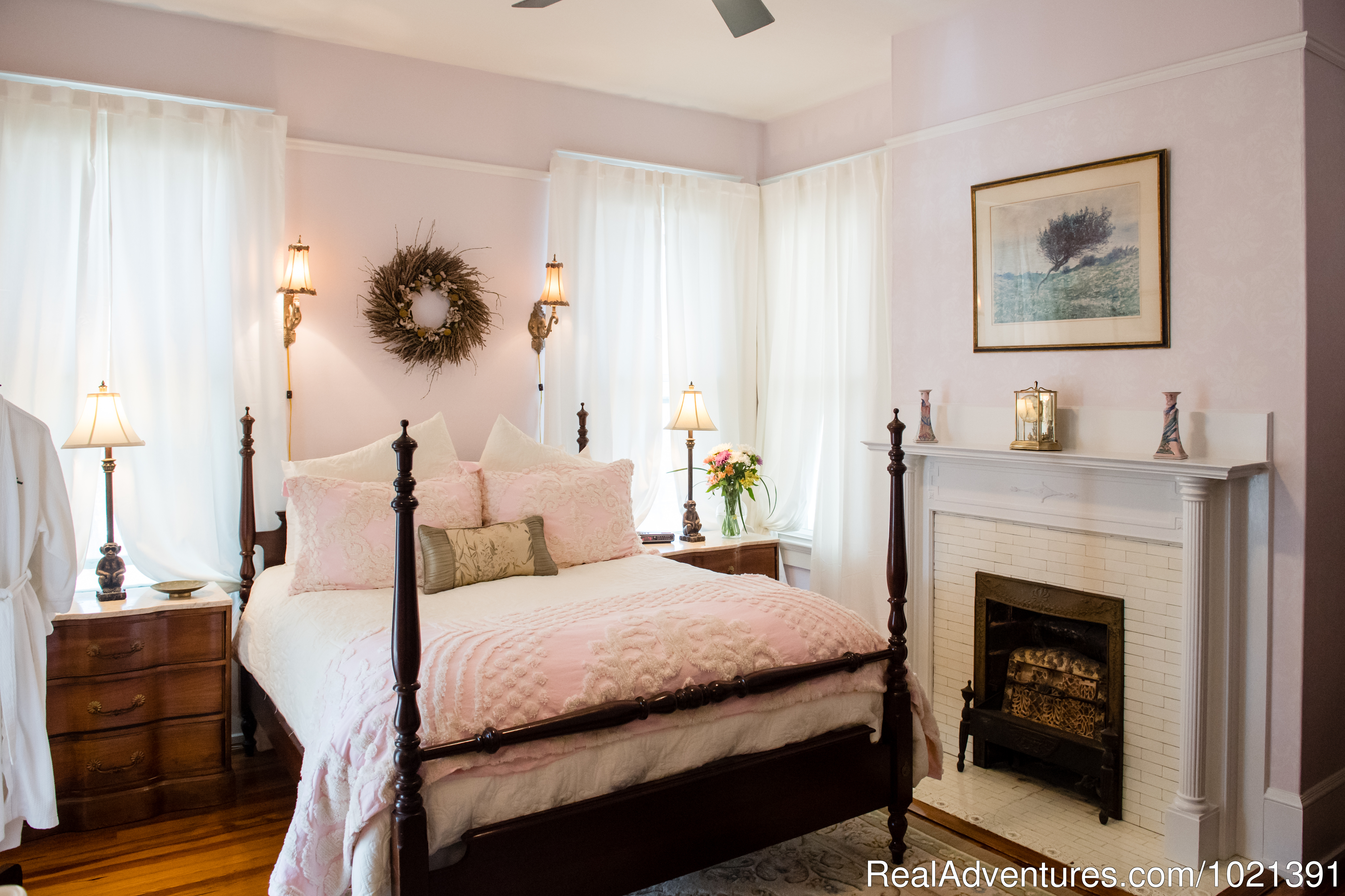 Room 7 - Wadleigh | Image #8/16 | Hoyt House Bed and Breakfast