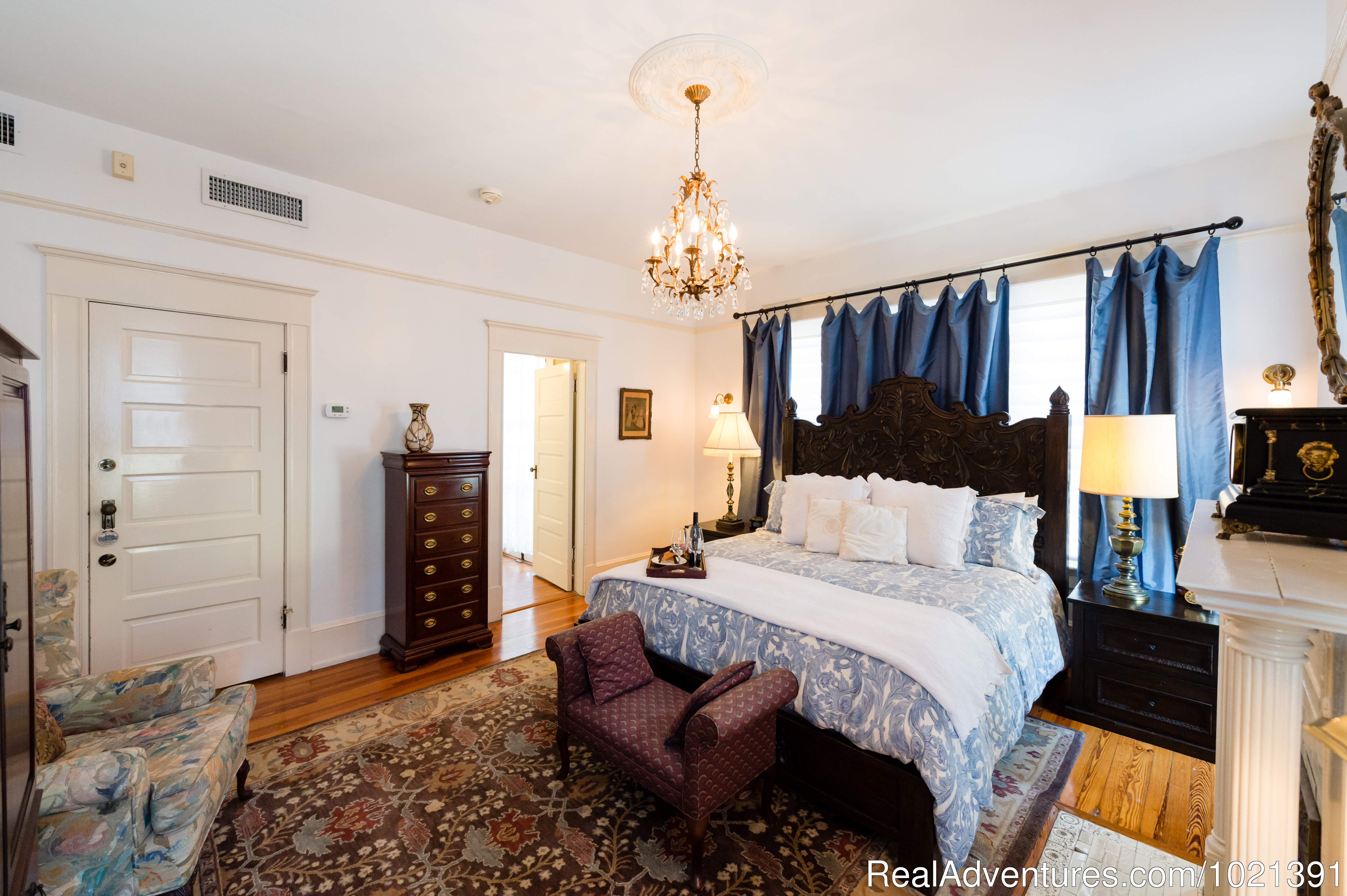 Room 9 - Hoyt Suite | Image #10/16 | Hoyt House Bed and Breakfast