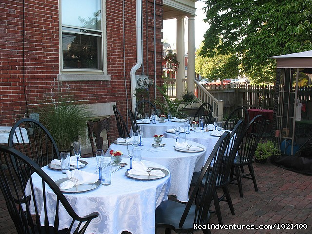 - Romantic Adventure Weekend at Columbian B&B