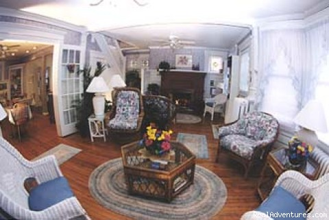 Sitting Room w/Fireplace & Stereo - Serendipity Bed & Breakfast