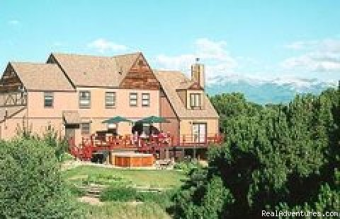 Rocky Mountain View - The Tudor Rose Bed & Breakfast