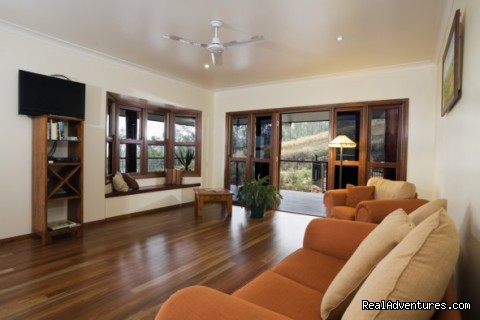 The Summit B&B - Common lounge - Cairns Highlands Accommodation & Itineraries